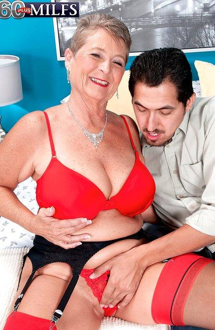 С молодой мамашей (РАССКАЗ ) Порно приколы эротика.