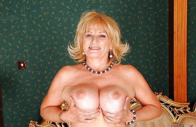 Онлайн голые тётинки смотреть