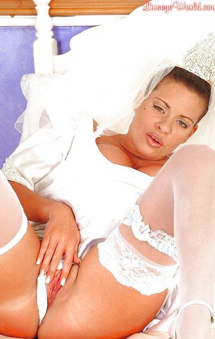 Как невесты дрочат волосатую пизду негры