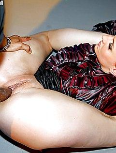 Мужественные стриптизеры выебали на девичнике телок