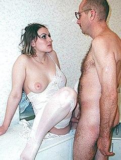 Молодая дала мужу в киску как он хотел