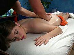 Девушка заказала приятный массаж молодой письки