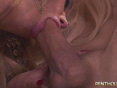 Возрастные тетки самые секси женщины в постели