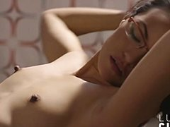 Парень попорол японку солидным пенисом