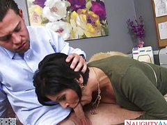 Классный домашний оргазм женщин с молодыми