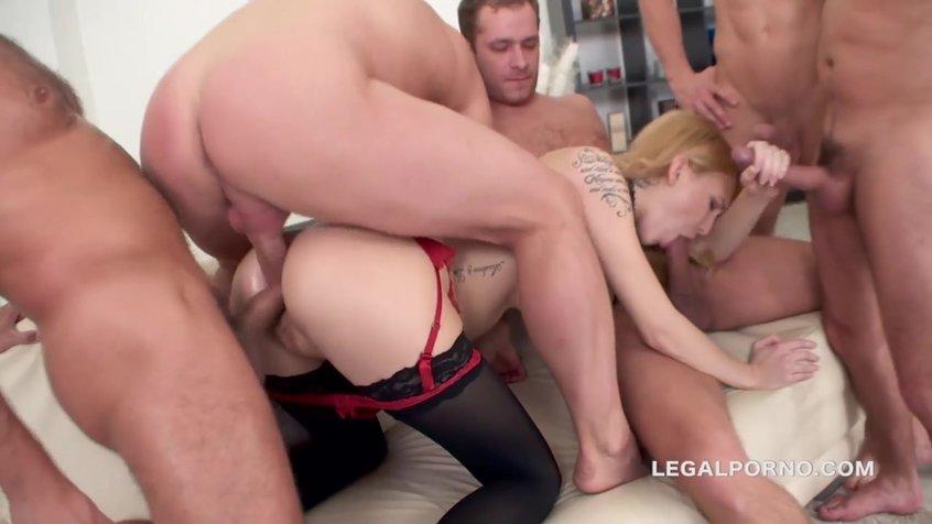 Три больших члена на одну порно видео