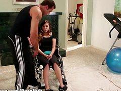 Трах с инвалидкой тренер превратил в развратные шалости
