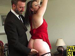 Взрослый мужчина доминирующий над женщиной ебет ее