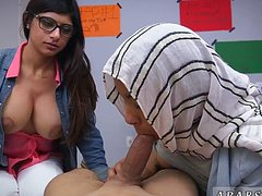 Арабские девушки пососали один член по очереди